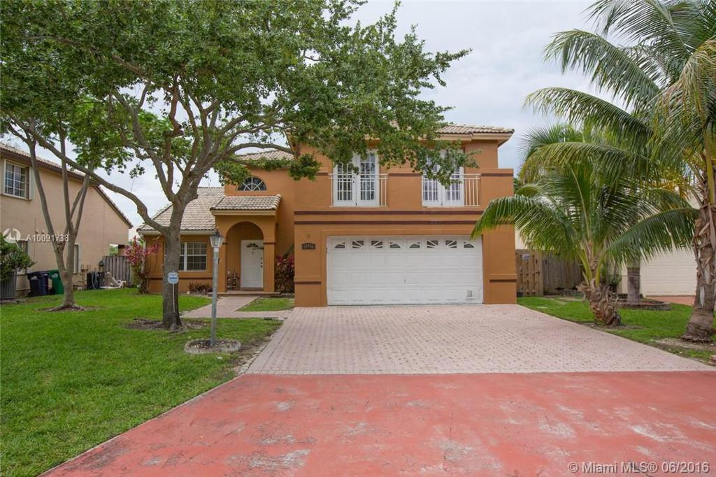 Photo of home for sale at 16051 73rd St SW, Miami FL