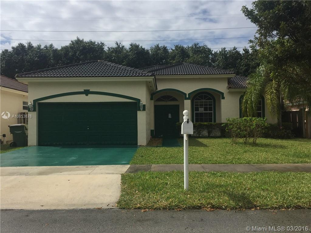 Photo of home for sale at 2910 Dunwoodie Pl, Homestead FL