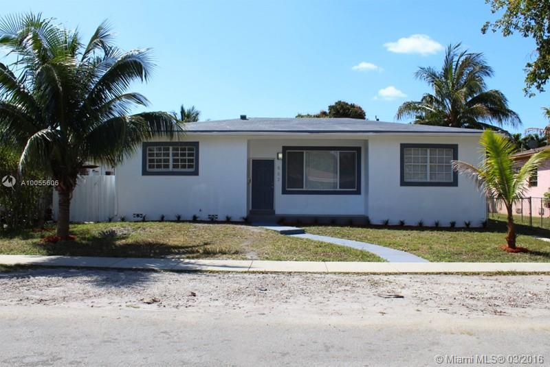Photo of home for sale at 882 146th St NE, North Miami FL