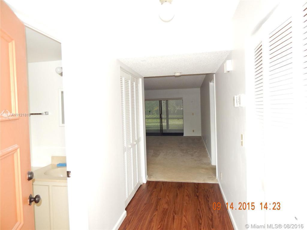 Photo of home for sale at 5917 Via Vermilya, Lake Worth FL