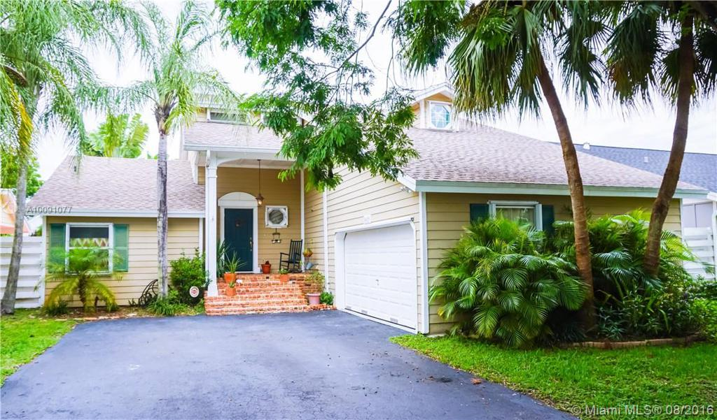 Photo of home for sale at 14029 149th Ln SW, Miami FL