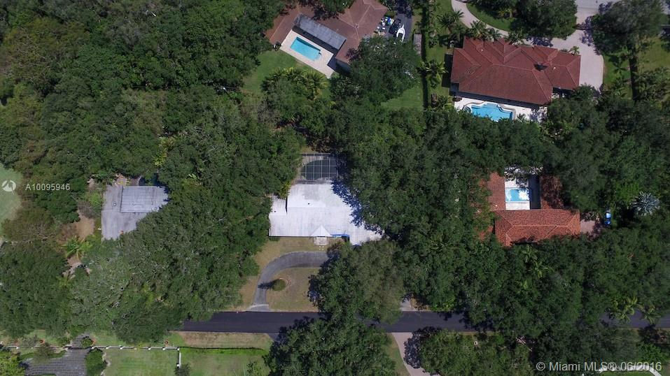 Photo of home for sale at 8820 99th St SW, Miami FL