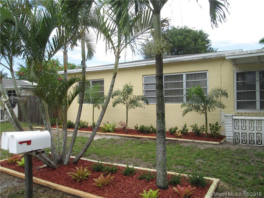 Photo of home for sale at 515 157th St, Miami FL