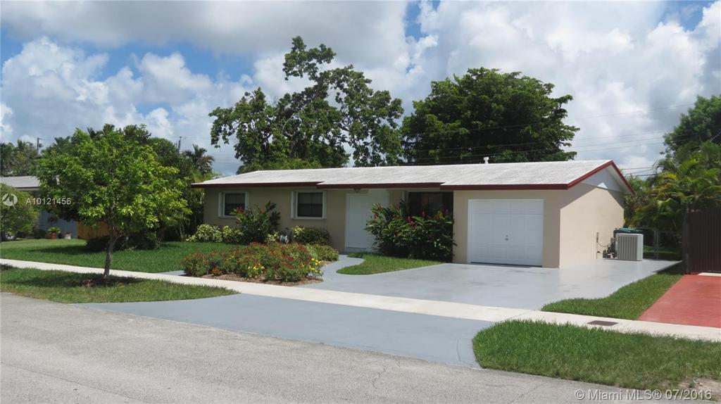 Photo of home for sale at 11020 59th Ter SW, Miami FL