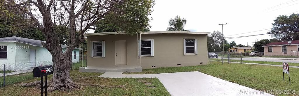 Photo of home for sale at 2001 152 Te, Miami Gardens FL
