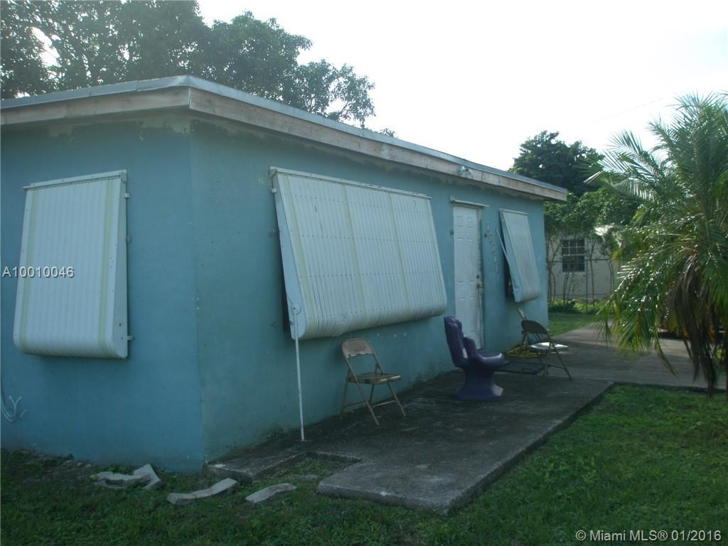 Photo of home for sale at 10110 170th Ter SW, Miami FL