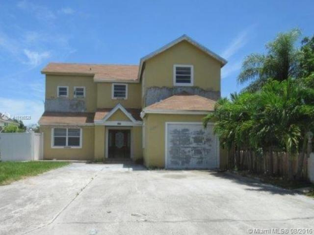 Photo of home for sale at 24863 129th Pl SW, Homestead FL