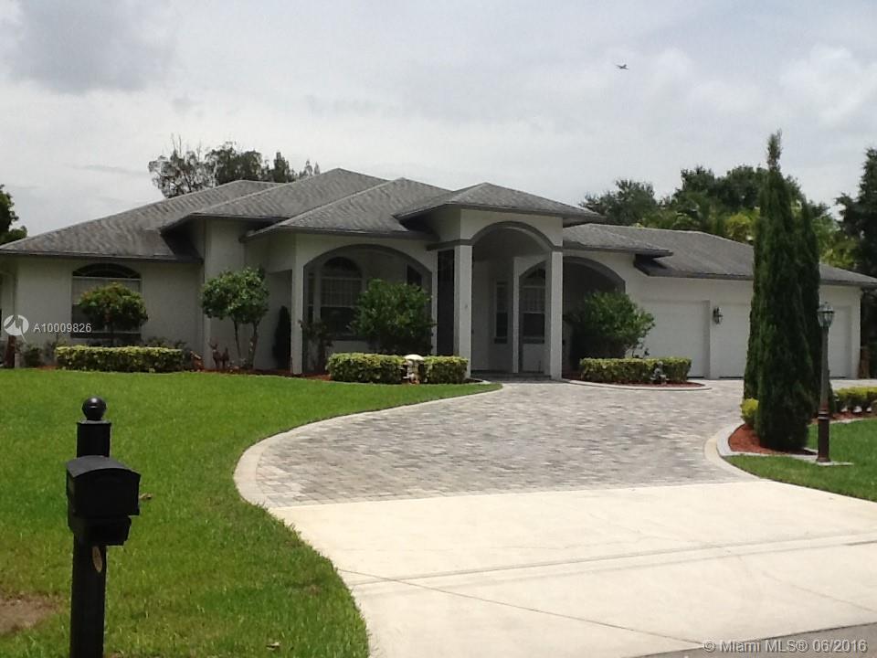 Photo of home for sale at 4351 77 AV SW, Davie FL