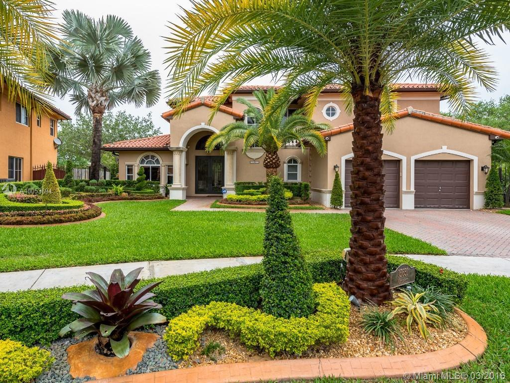 Photo of home for sale at 15631 79th Ct NW, Miami Lakes FL