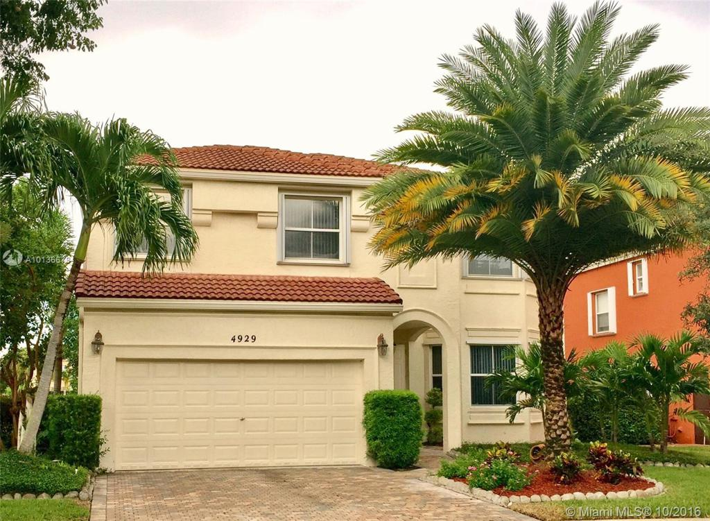 Photo of home for sale at 4929 165th Ave, Miramar FL