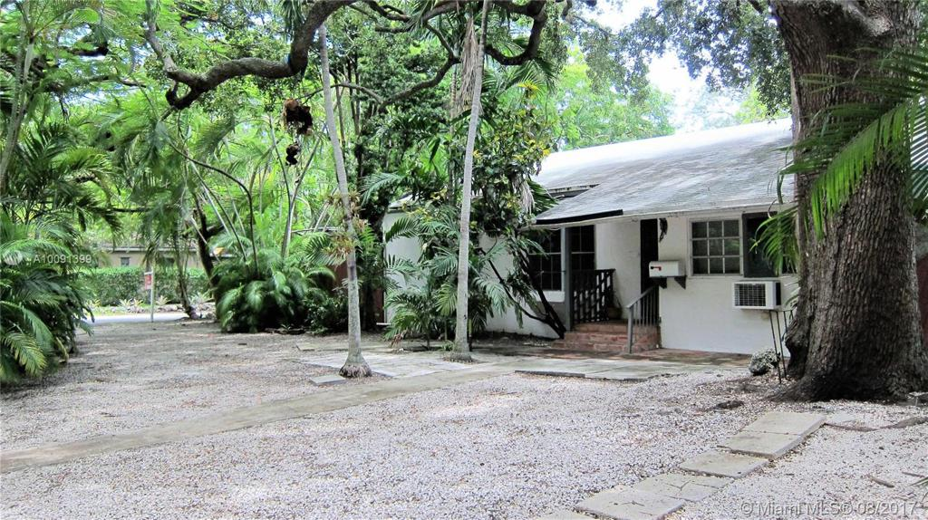 Photo of home for sale at 2400 Overbrook St, Coconut Grove FL