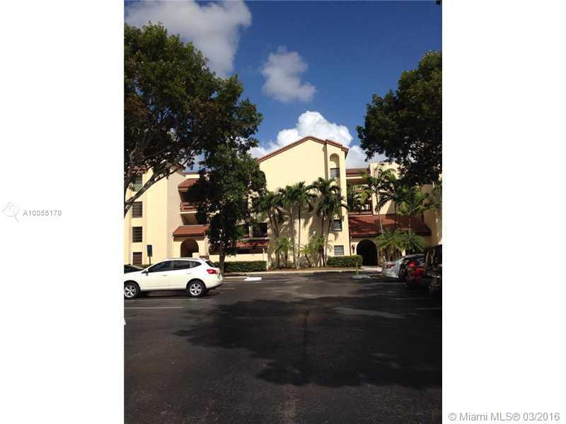 Photo of home for sale at 9280 123 CT SW, Miami FL