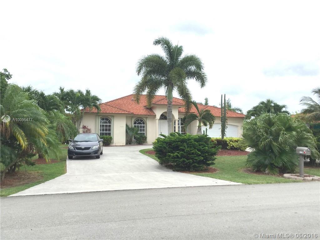 Photo of home for sale at 17133 215th Ter SW, Miami FL