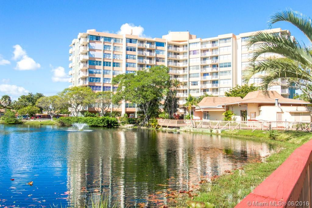 Photo of home for sale at 1300 Miami Gardens Dr NE, Miami FL