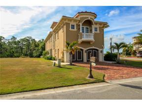Property for sale at 124 SE Cortile Pinero, Port Saint Lucie,  Florida 34952