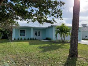 Property for sale at 603 SE High School Avenue, Stuart,  Florida 34994
