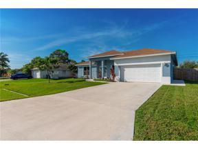Property for sale at 2002 SE South Buttonwood Drive, Port Saint Lucie,  Florida 34952