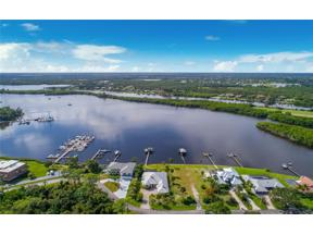 Property for sale at 1003 SE Kitching Cove Lane, Port Saint Lucie,  Florida 34952