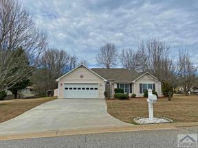 Property for sale at 1031 Coveview Circle, Hoschton,  Georgia 30548