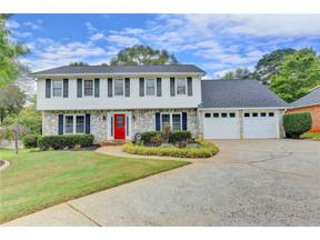 Property for sale at 340 Meadowood Drive, Roswell,  Georgia 30075