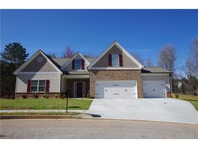 Property for sale at 6663 Blue Cove Drive, Flowery Branch,  Georgia 30542