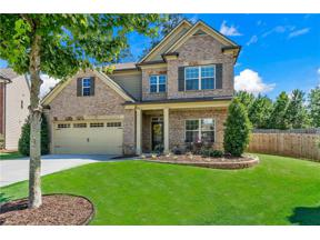 Property for sale at 965 Crescent Ridge Drive, Buford,  Georgia 30518