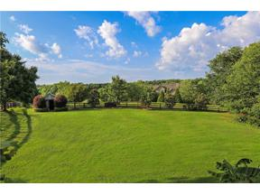 Property for sale at 252 Huntington Trail, Hoschton,  Georgia 30548