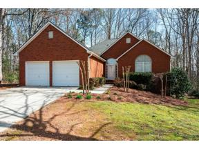 Property for sale at 6340 Glen Brooke Drive, Cumming,  Georgia 30028