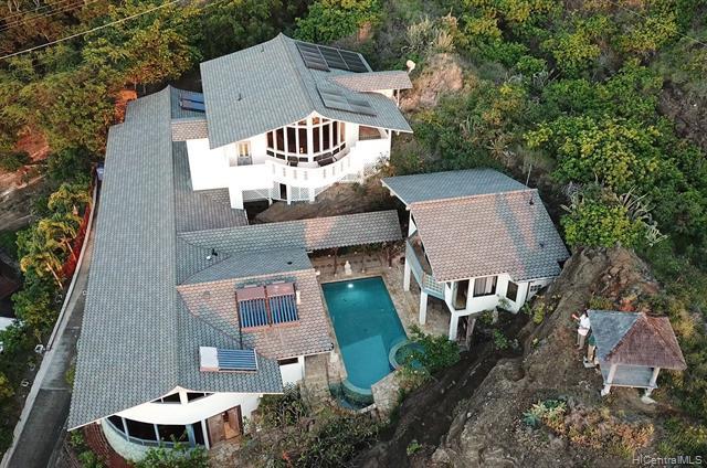 Photo of home for sale at 118 Kekaha Place, Honolulu HI