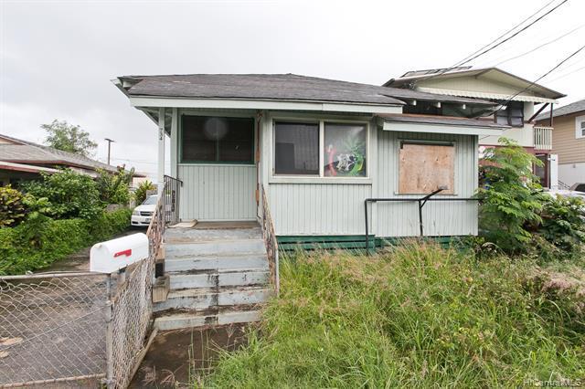 Photo of home for sale at 734 Gulick Avenue, Honolulu HI