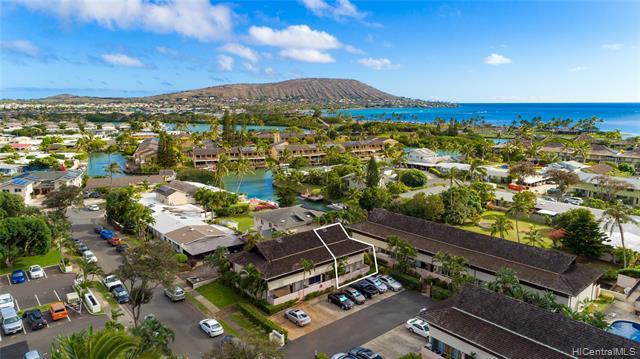 Photo of home for sale at 6225 Kawaihae Place, Honolulu HI