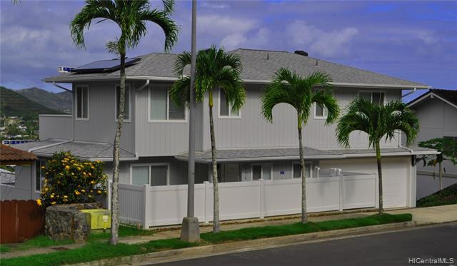 Photo of home for sale at 1356 Aupapaohe Street, Kailua HI