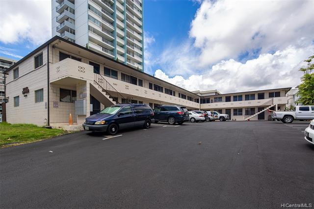 Photo of home for sale at 1148 Wilder Avenue, Honolulu HI