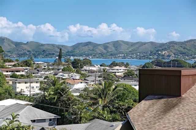 Photo of home for sale at 45-315 Lilipuna Road, Kaneohe HI