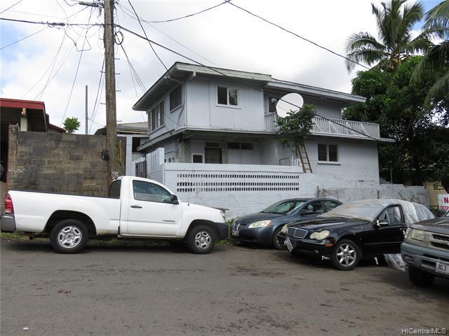 Photo of home for sale at 1715 Laumaile Street, Honolulu HI