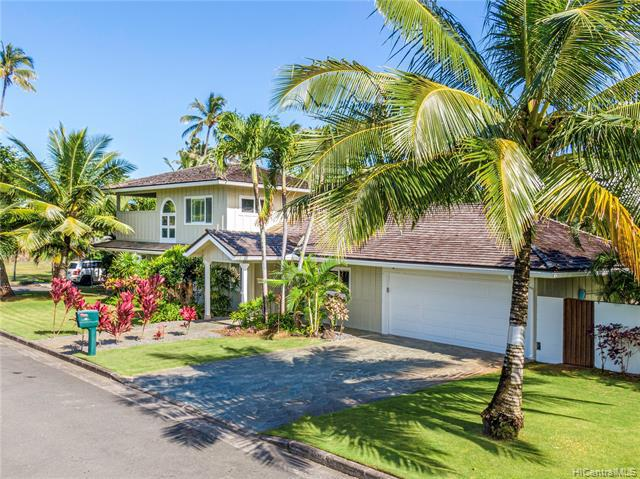 Photo of home for sale at 61 Kaikea Place, Kailua HI