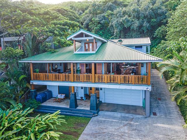 Photo of home for sale at 47-422 Lulani Street, Kaneohe HI