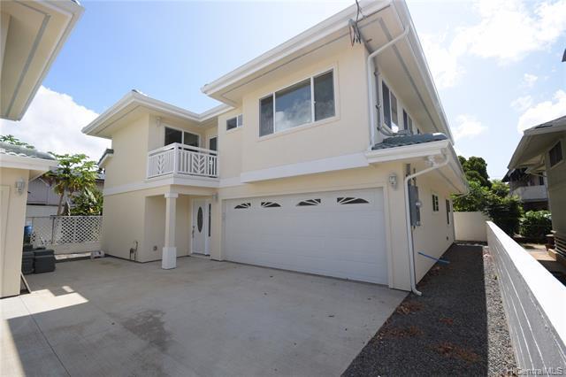 Photo of home for sale at 815 Lukepane Avenue, Honolulu HI