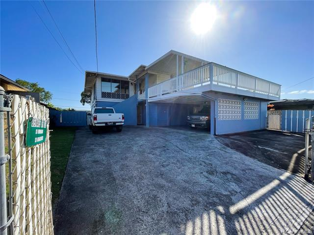 Photo of home for sale at 1034 Maiha Circle, Pearl City HI