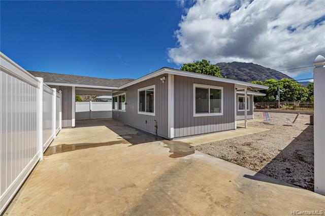 Photo of home for sale at 84-711 Lahaina Street, Waianae HI