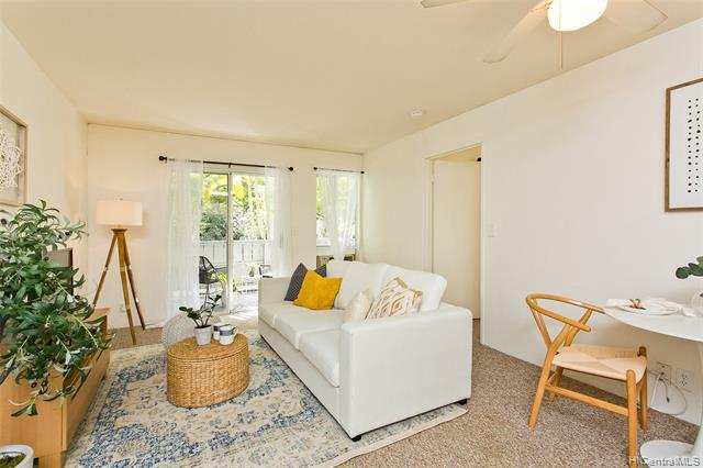 Photo of home for sale at 95-668 Wikao Street, Mililani HI
