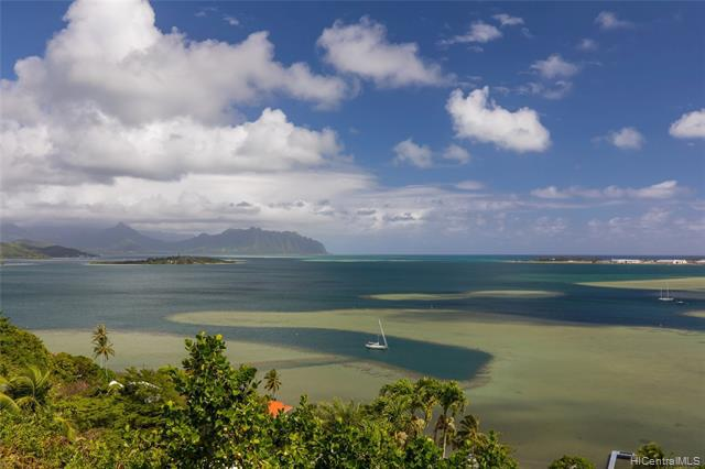Photo of home for sale at 44-600 Kaneohe Bay Drive, Kaneohe HI