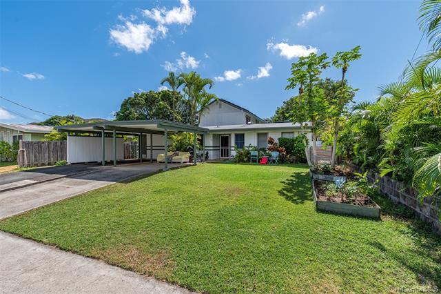 Photo of home for sale at 977 Alahaki Street, Kailua HI
