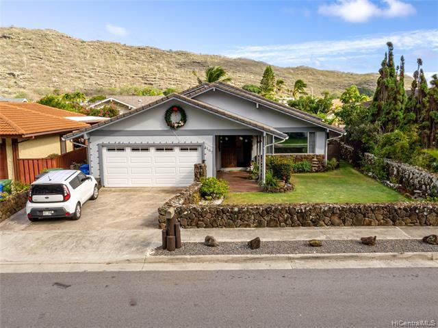 Photo of home for sale at 1167 Kahului Street, Honolulu HI