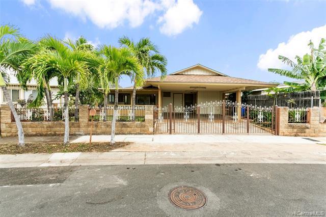 Photo of home for sale at 87-718 Manuaihue Street, Waianae HI