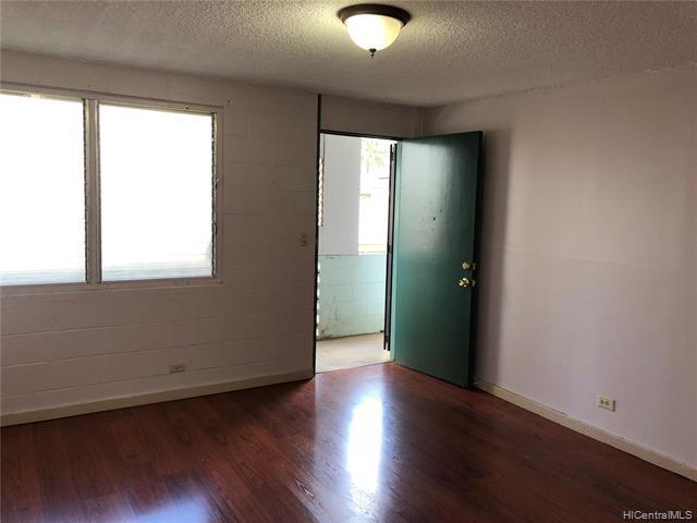 Photo of home for sale at 1524 Halekula Way, Honolulu HI