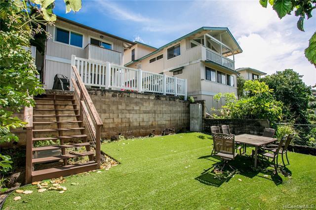 Photo of home for sale at 99-818 Meaala Street, Aiea HI