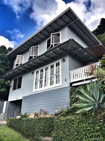 Photo of home for sale at 3019 Woolsey Place, Honolulu HI