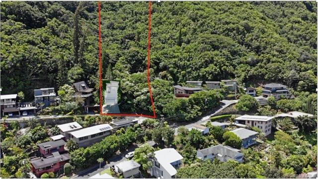 Photo of home for sale at 3209 Beaumont Woods Place, Honolulu HI