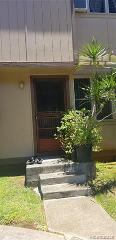 Photo of home for sale at 98-1393 Hinu Place, Pearl City HI